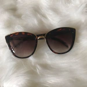 CHEETAH WOMENS SUNGLASSES